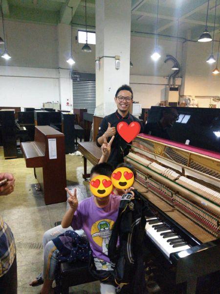 近日疫情稍增,很多顧客詢問有關鋼琴清潔消毒的問題..謝謝本週購琴的顧客!