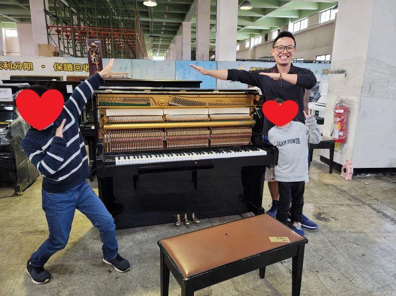 感謝本週購買二手鋼琴的顧客,服務專線: 0980494792 中古鋼琴黃先生