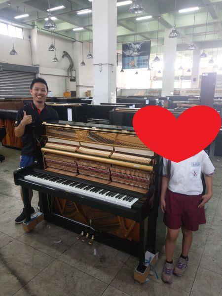 鋼琴維修我們團隊也有服務喔! 服務專線:0980494792 黃先生