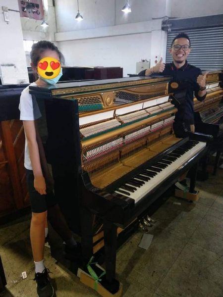感謝本週願意與小弟購買中古鋼琴的爸爸媽媽和老師們, 感謝,感恩,感激 ! 祝大家萬聖節快樂!