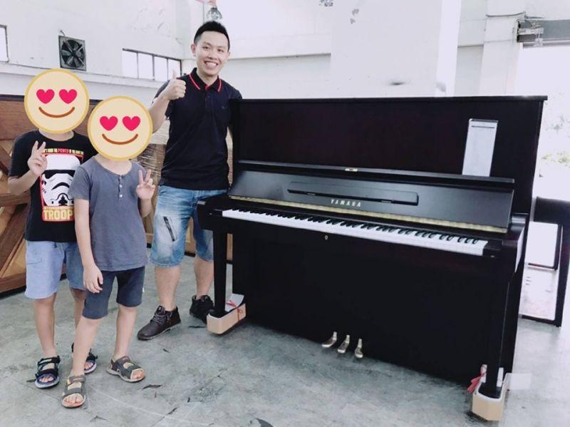 放暑假了!近期已有四組顧客把握優惠期間買琴給孩子練習!歡迎您也快來電與小弟預約吧!