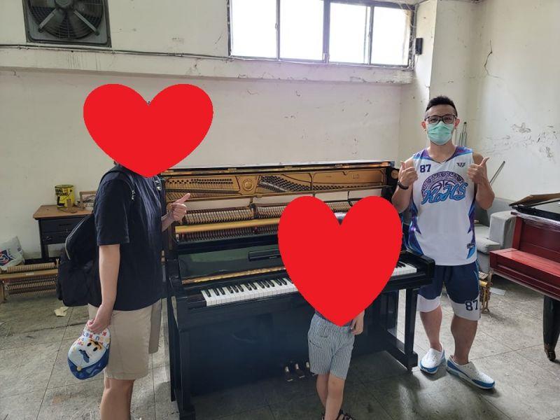 感謝把握機會前來參觀選購中古鋼琴的顧客們!