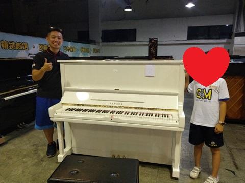 兩台白色YAMAHA 二手鋼琴秒殺,感謝願意給予小弟服務機會的顧客!