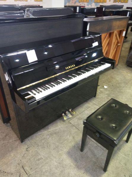 新貨到 YAMAHA 二手鋼琴(精巧不占空間的高CP值商品)