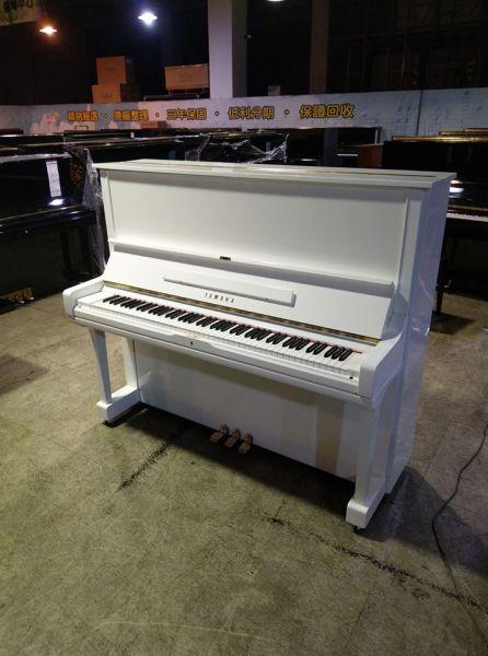 客製化YAMAHA白色鋼琴,用最高工藝做出您想要的商品!
